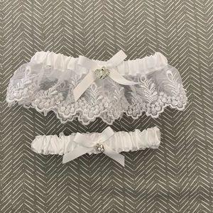 BNWOT garter set